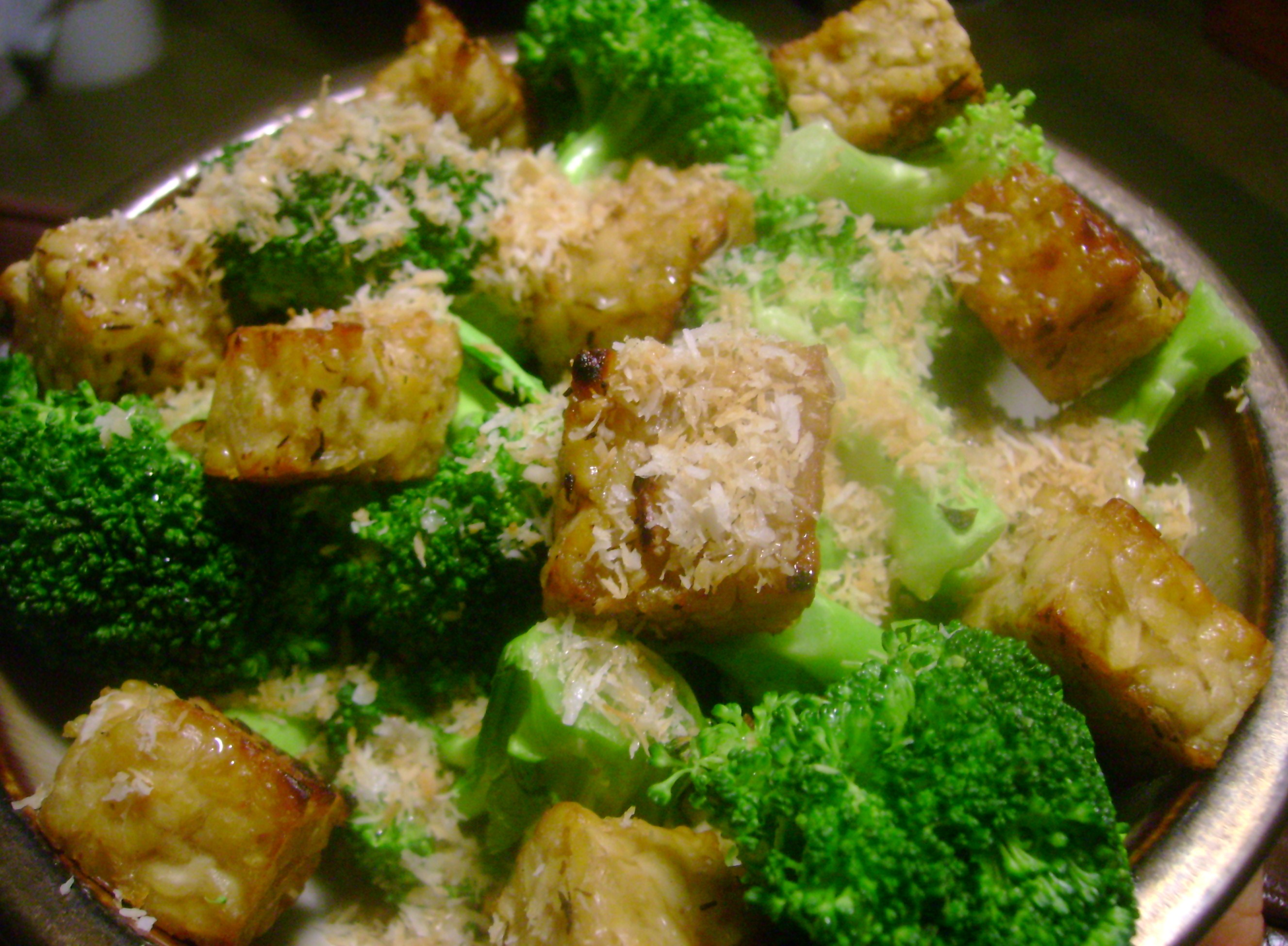 Stir-Fried Tempeh With Broccoli And Peppers